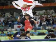 Thể thao - Lập kỳ tích Olympic, nữ đô vật Nhật Bản ăn mừng độc đáo