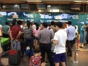 Tin tức trong ngày - 18 chuyến bay bị hủy do ảnh hưởng của bão Thần Sét