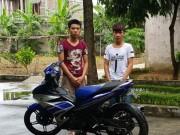 """An ninh Xã hội - Bỏ nhà đi bụi, 2 thanh niên sống bằng """"nghề"""" cướp giật"""