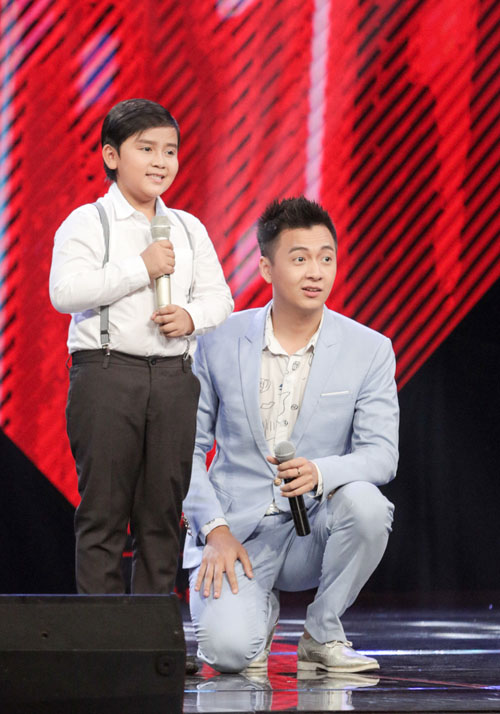 "cau be ngheo hat dan ca khien hlv the voice kids ""phat cuong"" - 1"