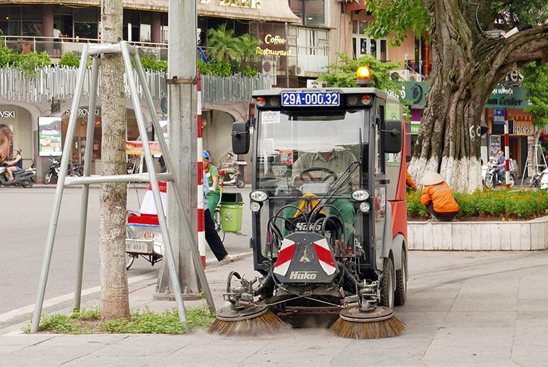 Lần đầu xuất hiện xe đạp gom rác trên đường phố Thủ đô - 9