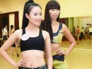Thời trang - Hà Anh đọ dáng dàn thí sinh Hoa hậu Việt Nam 2016