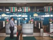 """Tin tức trong ngày - Màn hình làm thủ tục tại sân bay Nội Bài hiện """"ký tự lạ"""""""