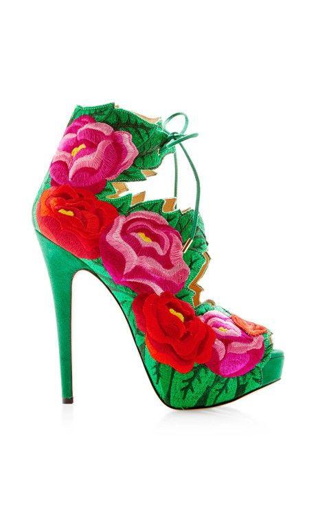 15 đôi giày đẹp như mơ khiến mọi cô gái muốn sở hữu - 9
