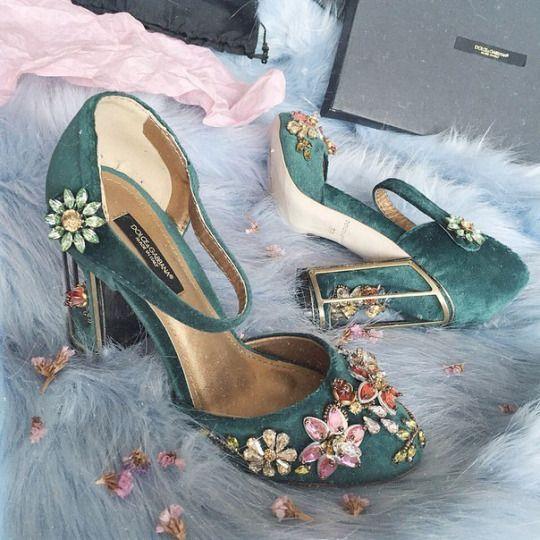 15 đôi giày đẹp như mơ khiến mọi cô gái muốn sở hữu - 10