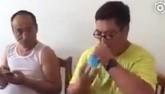 Video: Người đàn ông uống hết chai nước trong vòng 1 giây