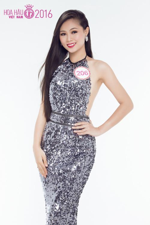 Gặp nữ sinh răng khểnh duyên nhất Hoa hậu Việt Nam - 11