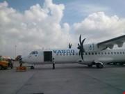 Tin tức trong ngày - Máy bay ATR 72 bị xe kéo hàng đâm hỏng
