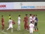 """Bóng đá - U19 Việt Nam đáng chê vì thủ môn """"triệt hạ"""" cầu thủ Myanmar"""