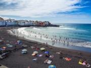 Du lịch - Lạ lẫm những bãi biển cát đen hấp dẫn nhất hành tinh