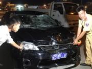 Tin tức trong ngày - Ô tô biển xanh gây tai nạn, 3 người thương vong