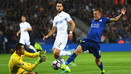 Leicester - Swansea: Người hùng trở lại