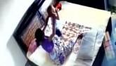 Ấn Độ: Chồng lắp camera ghi cảnh vợ đánh đập con