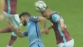 Aguero nguy cơ bị phạt 3 trận, lỡ derby Manchester