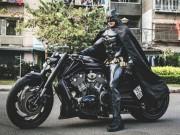 Thế giới xe - Người Dơi đi 'siêu' mô tô tái xuất trên đường phố Sài Gòn