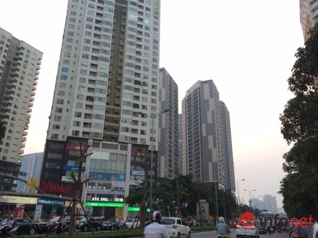 HN: Đường sá ngày càng tắc nghẹt vì chung cư bủa vây - 2