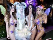 """Thời trang - Chị em """"sexy hết nấc"""" dự tiệc nội y nóng nhất nước Mỹ"""