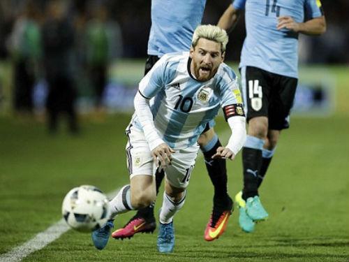 29 tuổi, Messi háo thắng chẳng thua gì Ronaldo