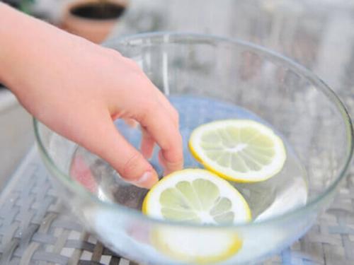 6 bước làm sạch móng tay mỗi ngày chị em nên biết - 6