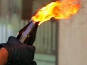 An ninh Xã hội - Mâu thuẫn trên bàn nhậu, mang xăng đến nhà đốt 'dằn mặt'