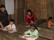 """Giáo dục - du học - Hai vợ chồng trẻ 8 năm đi gieo """"niềm tin"""" cho học sinh vùng cao"""
