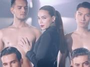 Ca nhạc - MTV - Xốn mắt xem Hà Hồ lả lơi bên dàn trai đẹp 6 múi