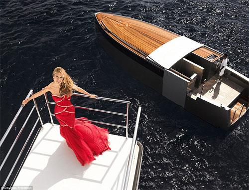 Vợ tỷ phú ngân hàng Nga vừa sexy vừa sành thời trang - 10