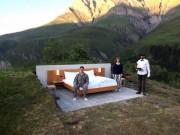 """Du lịch - Khách sạn lộ thiên """"siêu độc"""" trên đỉnh núi ở Thụy Sĩ"""