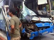 Tin tức Việt Nam - Đề xuất khen thưởng người hùng cứu xe khách mất thắng