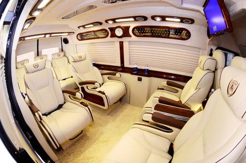 Dịch vụ vận chuyển hành khách cao cấp bằng xe Dcar Limousine - 3