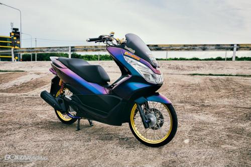 """Ngắm Honda PCX 150 độ vàng siêu đắt của """"dân chơi"""""""