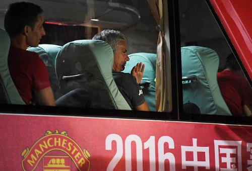 Tiết lộ: 2 kiểu rèn quân độc, lạ của Mourinho và Pep