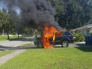 Dế sắp ra lò - Samsung Galaxy Note 7 bị nổ làm cháy xe Jeep tại Mỹ