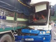 Tin tức trong ngày - Tài xế Phan Văn Bắc: Tôi không ra dấu cho xe khách đâm vào đuôi xe