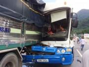 Tin tức trong ngày - Tạm giữ xe khách được cứu trên đèo Bảo Lộc để điều tra