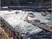 """Thế giới - Du thuyền 134.000 tấn tạo """"sóng thần"""" đánh đắm tàu"""