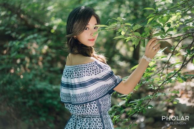 """Vẻ đẹp nghiêng thành của """"nữ thần nhan sắc mới xứ Hàn"""" - 5"""