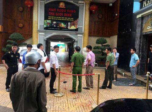 Nghệ An: Hỗn chiến, nổ súng kinh hoàng tại quán karaoke