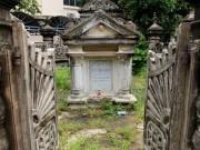 Tin tức trong ngày - Choáng ngợp ngôi mộ cổ kiến trúc Pháp giữa lòng Sài Gòn