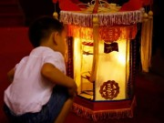 Tin tức trong ngày - Vượt 4.000 km, đây là chiếc đèn Trung thu độc đáo nhất năm