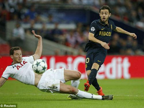 Tottenham - Monaco: Thay sân đổi vận