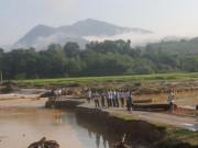 Tin tức trong ngày - Sau lũ quét, thấy nhiều phần thi thể người dọc bờ suối