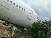 Thế giới - TQ: Siêu bão thổi dạt máy bay Boeing đậu trên đường băng