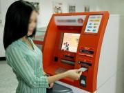 Bạn trẻ - Cuộc sống - Phản ứng gây sốc khi rút ATM 1,3 triệu được 13 triệu