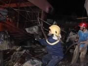 Tin tức trong ngày - Hàng trăm kiốt cháy rụi, tiểu thương gào khóc cầu cứu