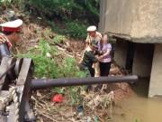 Tin tức trong ngày - Nhảy sông tự tử không thành, vẫy tay cầu cứu CSGT