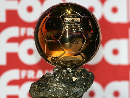 Quả bóng Vàng ra luật mới: Ronaldo, Messi khó thống trị