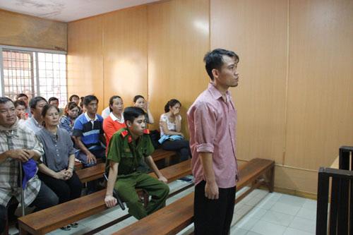 Tài xế đi đón Hồ Ngọc Hà gây tai nạn lãnh 3 năm tù
