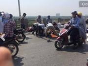Tin tức trong ngày - Hà Nội: Ô tô tông hàng loạt xe máy trên cầu Vĩnh Tuy