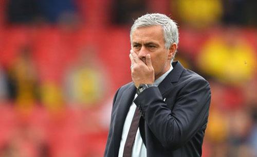 Cầu thủ MU sốc vì Mourinho